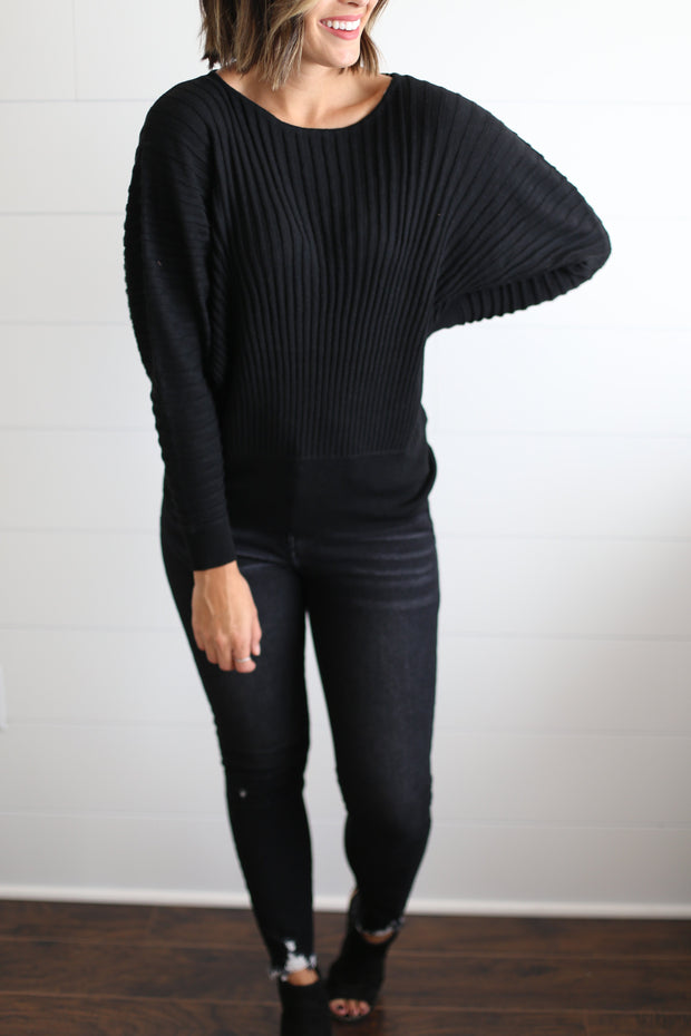 VERTICAL RIBBED DOLMAN SLEEVE TOP