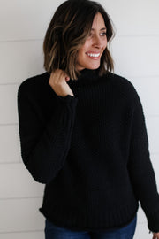 BLACK TURTLE NECK KNIT