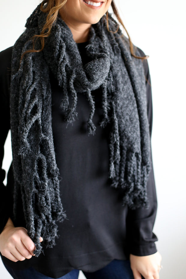 CHARCOAL/BLACK TASSEL SCARF
