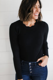 BLACK SCALLOP NECK BODYSUIT