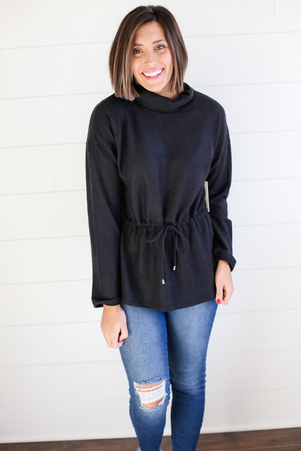 BLACK TURTLE NECK PULLOVER