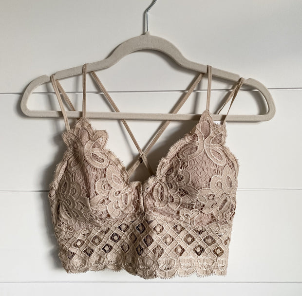 HAVE TO HAVE IT BRALETTE PLUS (TAUPE)