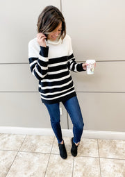 STRIPES AND SOLIDS SWEATER (BLACK)