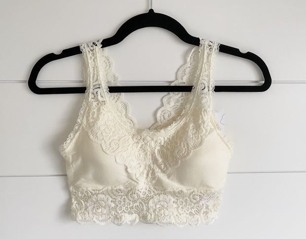 IVORY LACE BRALETTE (WITH PADDING)