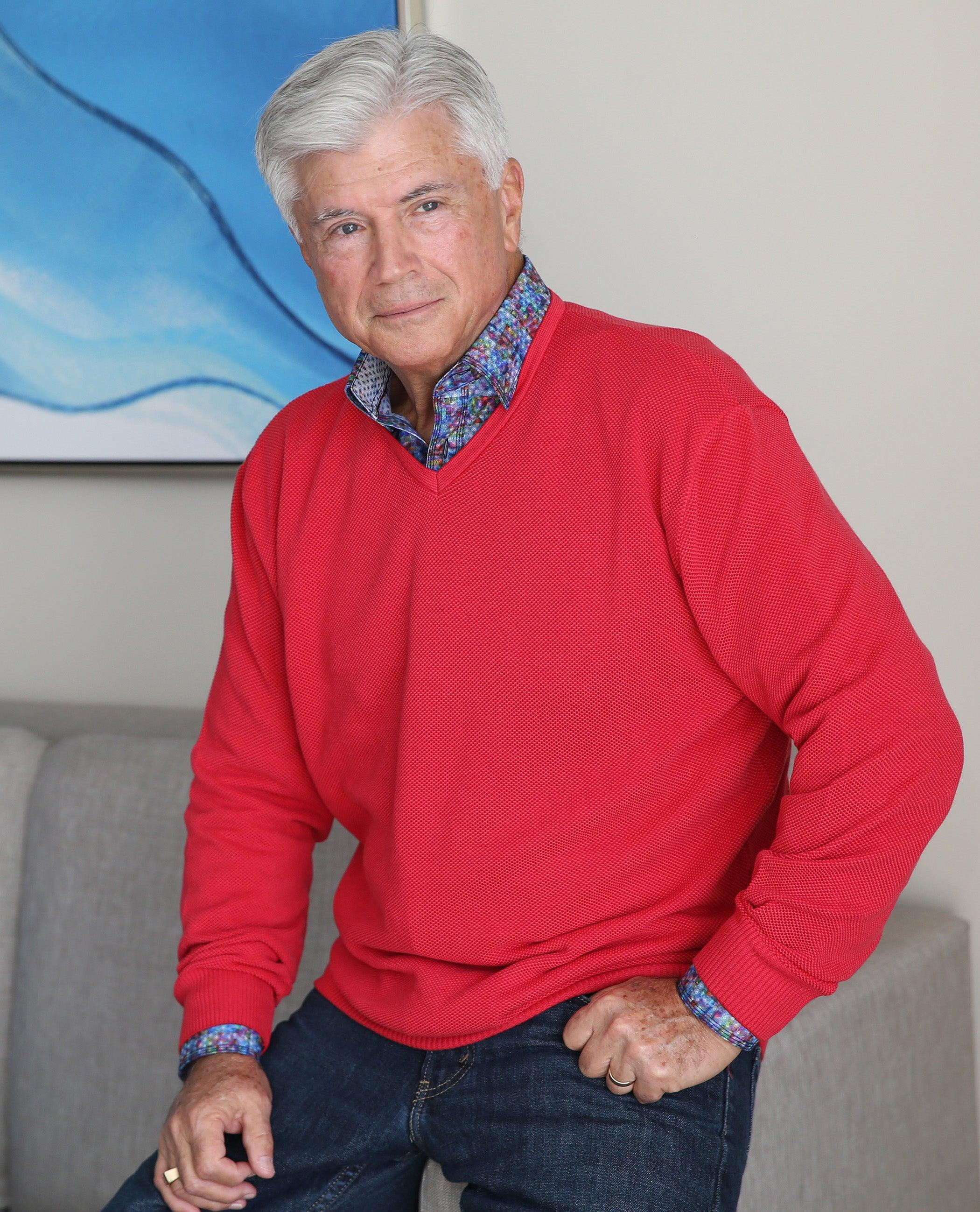 A staple for any wardrobe, the high low, two color yarn, in a popcorn stitch is perfect over a sport shirt or worn alone. Classic style that is timeless. The finest knitting of 100% cotton yarns. Classic fit.    Marcello Classic V Neck
