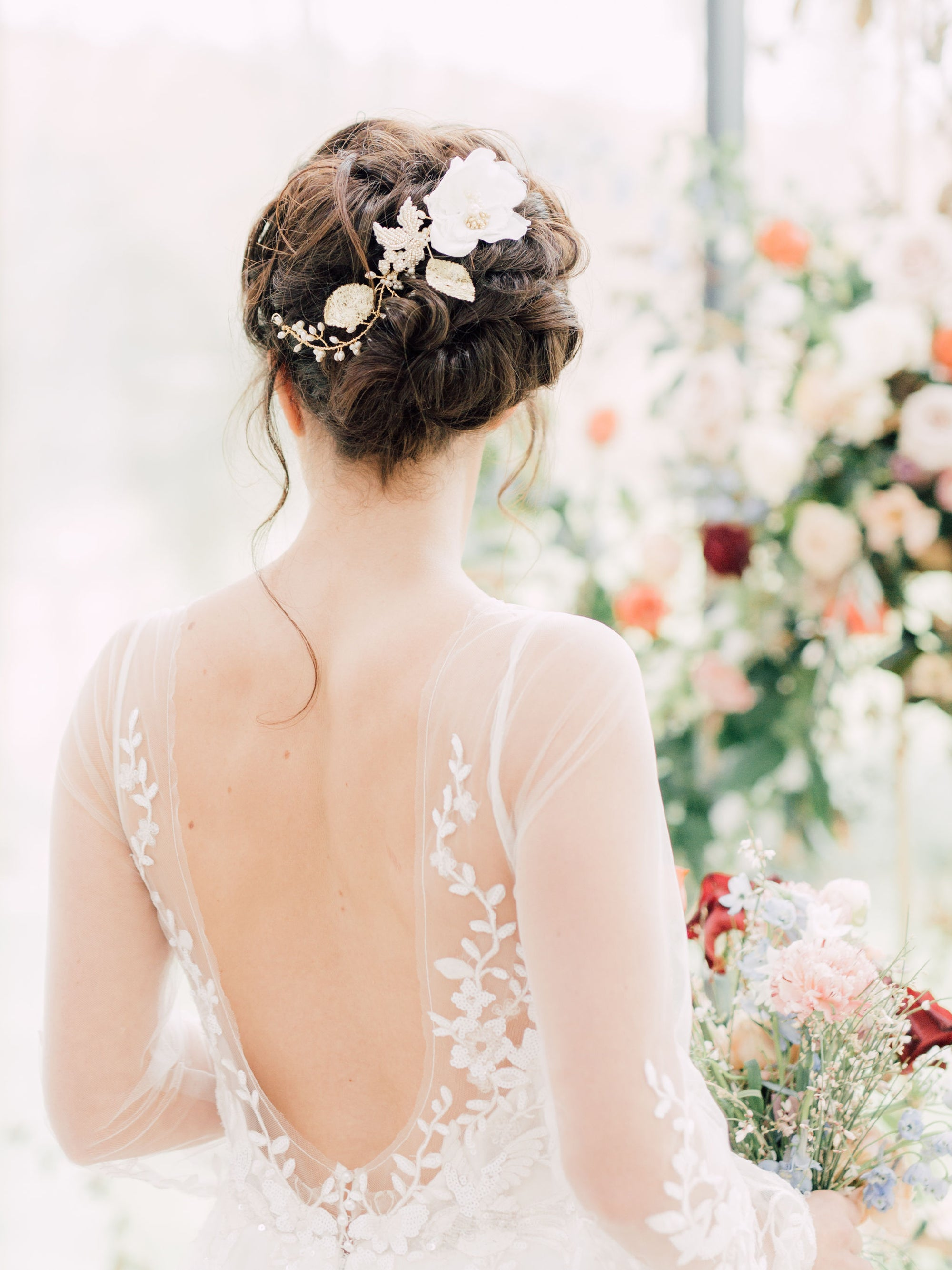 My top 4 wedding hair accessory choices for the modern bride.
