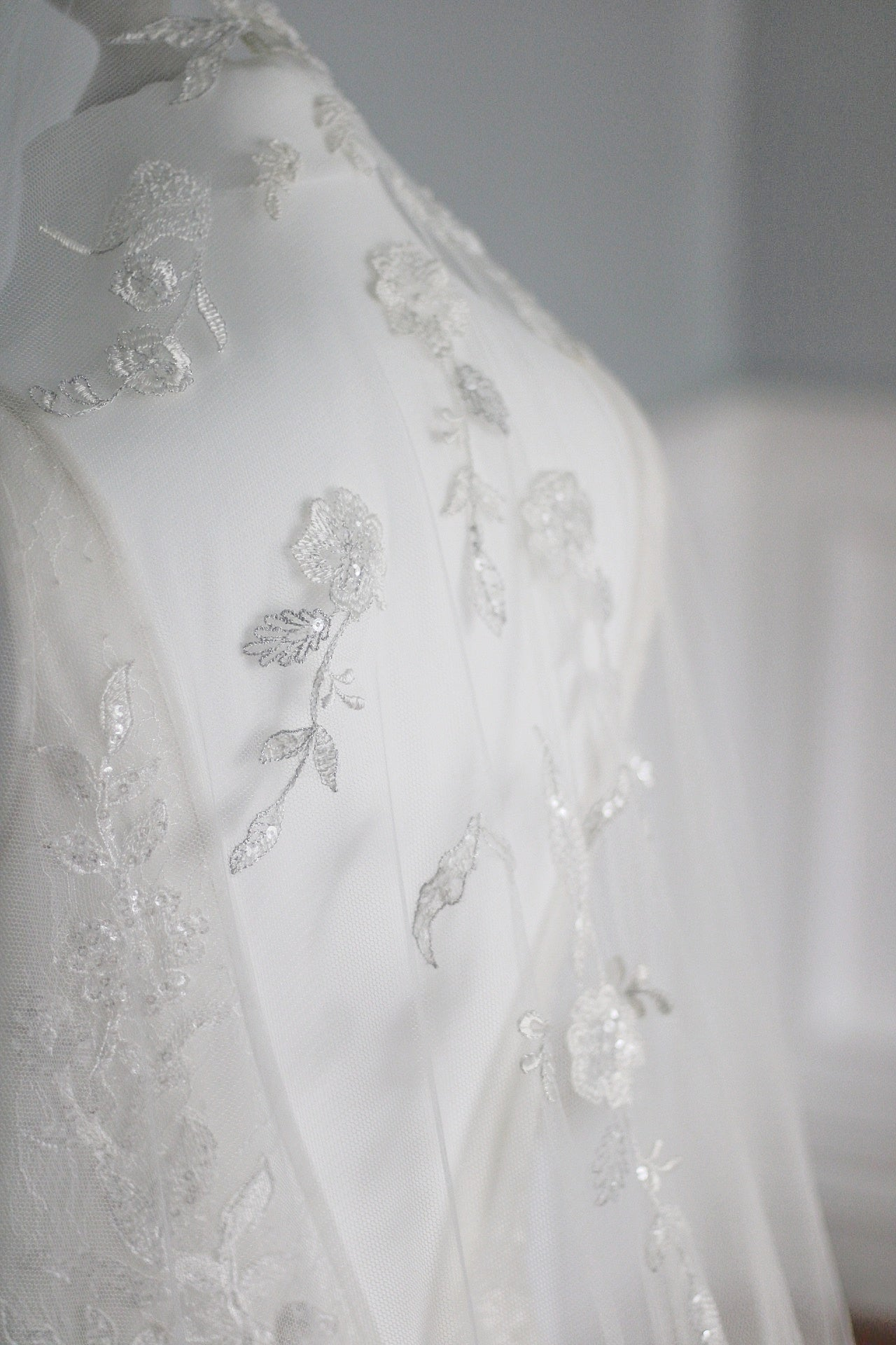 ANTOINETTE | Cathedral floral applique veil