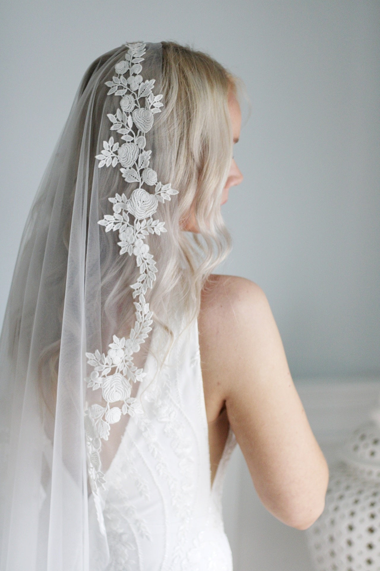 LACE  | statement mantilla veil