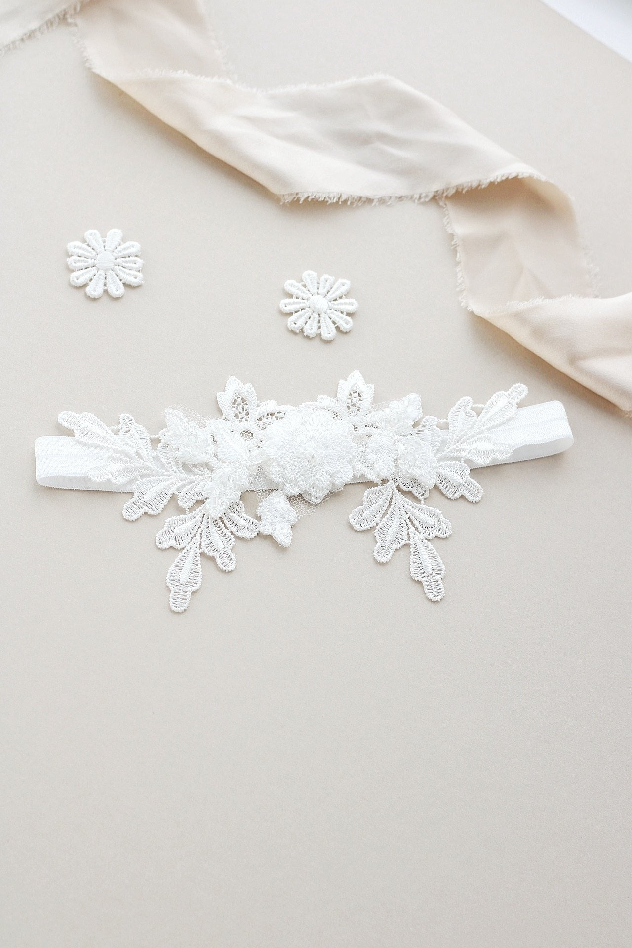 Luxury ivory Lace wedding garter