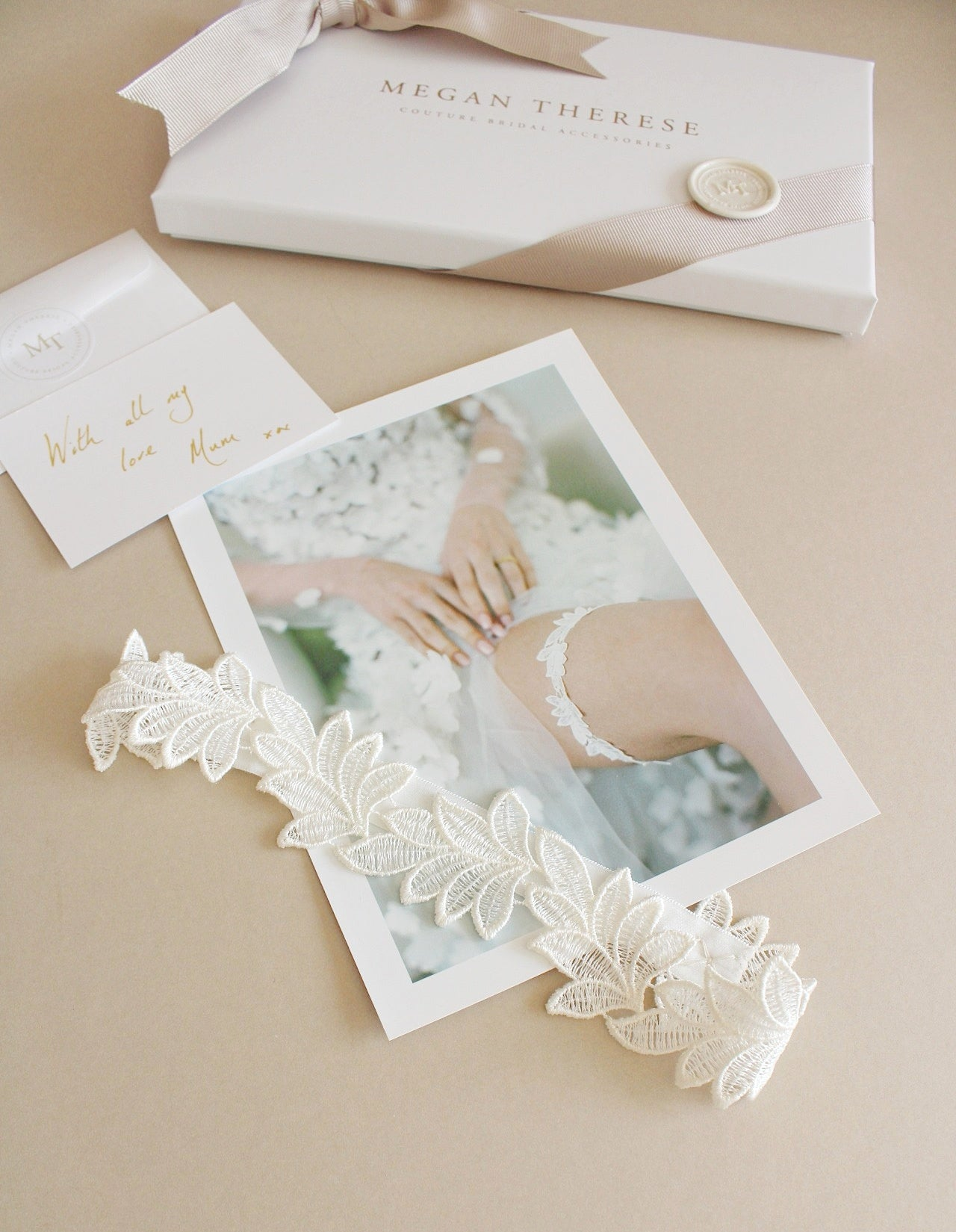 sleek lace leaf wedding garter gift set for bride