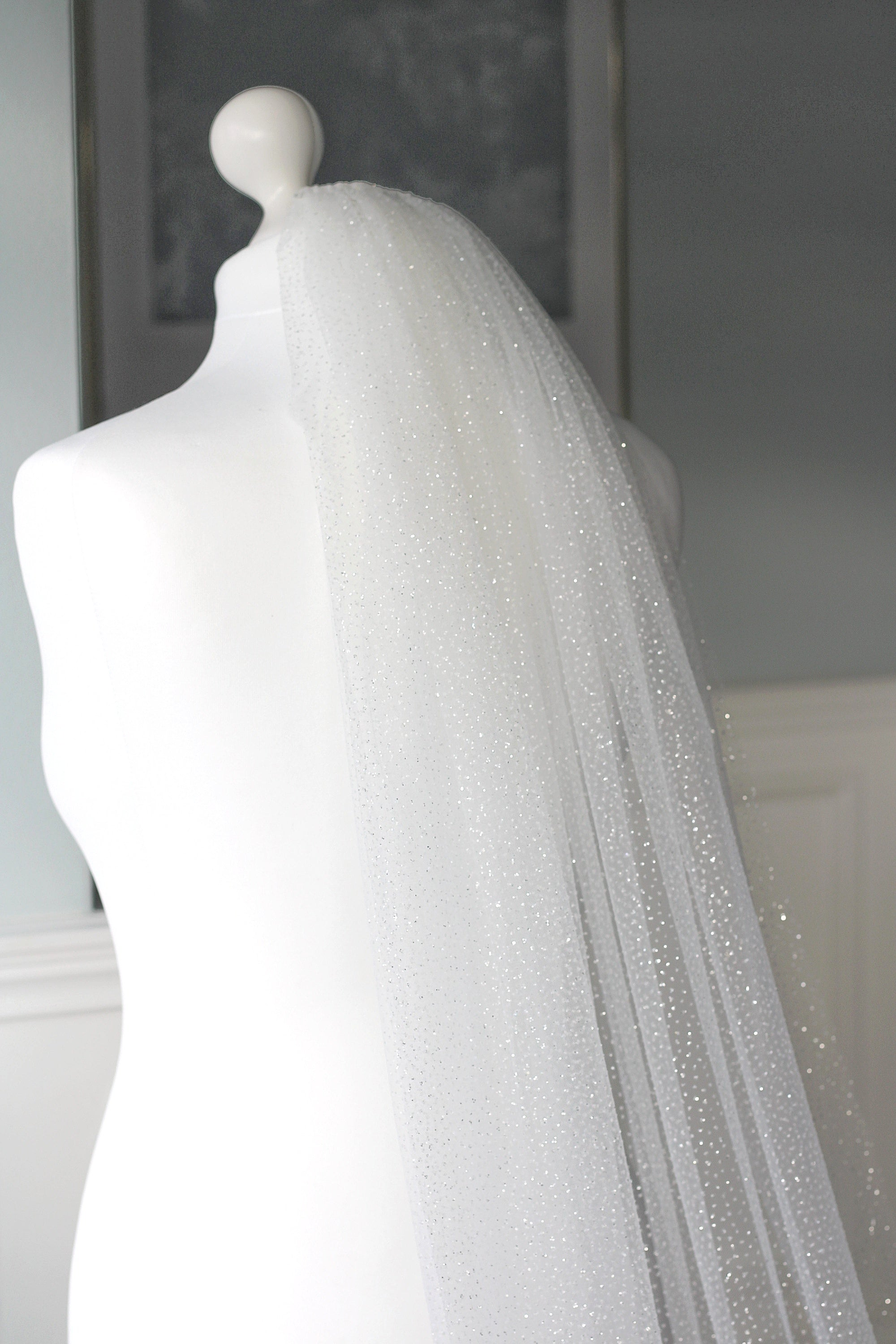Luminous tulle veil
