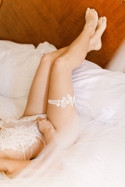 Ivory lace wedding garter by Megan Therese-43.jpg