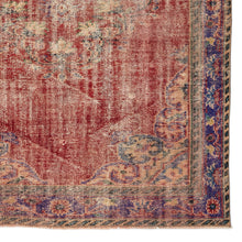 Load image into Gallery viewer, Vintage Turkish Rug, GA10182