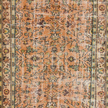 Load image into Gallery viewer, Vintage Turkish Rug, GA18072