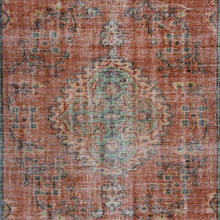 Load image into Gallery viewer, Vintage Turkish Rug, GA25688