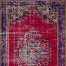 Load image into Gallery viewer, Vintage Turkish Rug, GA27909