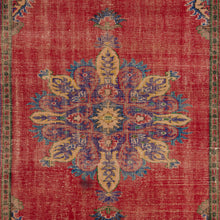 Load image into Gallery viewer, Vintage Turkish Rug, GA28389