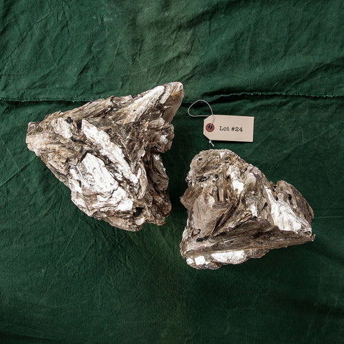 Mica Formation, 2 pcs, G249