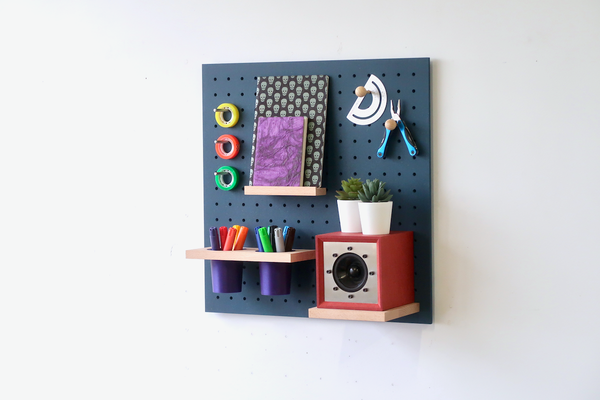 Wooden pegboard - Quark - Wall Shelf Made In France