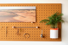 Load image into Gallery viewer, Pegboard - Etagere Murale Modulaire en Bois - Couleur Moutarde - Taille 96 cm - Pegboard - Quark - BO96JA-1 - 6