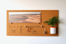 Load image into Gallery viewer, Pegboard - Etagere Murale Modulaire en Bois - Couleur Moutarde - Taille 96 cm - Pegboard - Quark - BO96JA-1 - 1