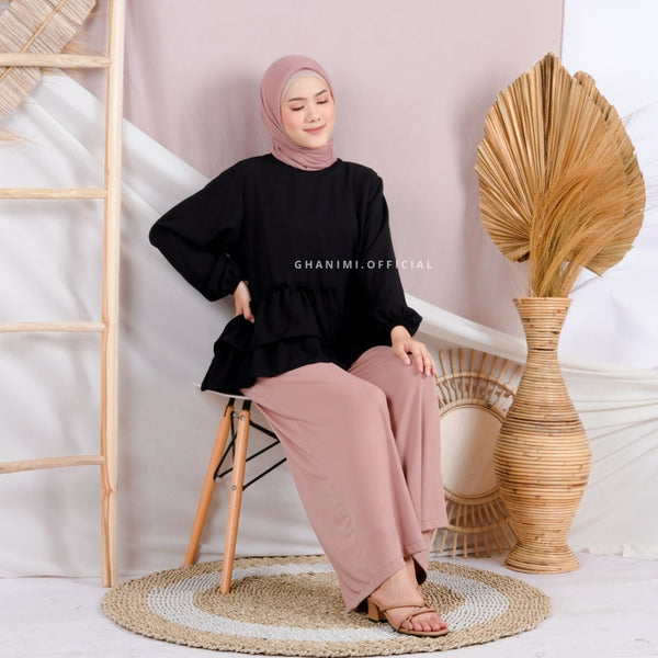 Necca Blouse Black