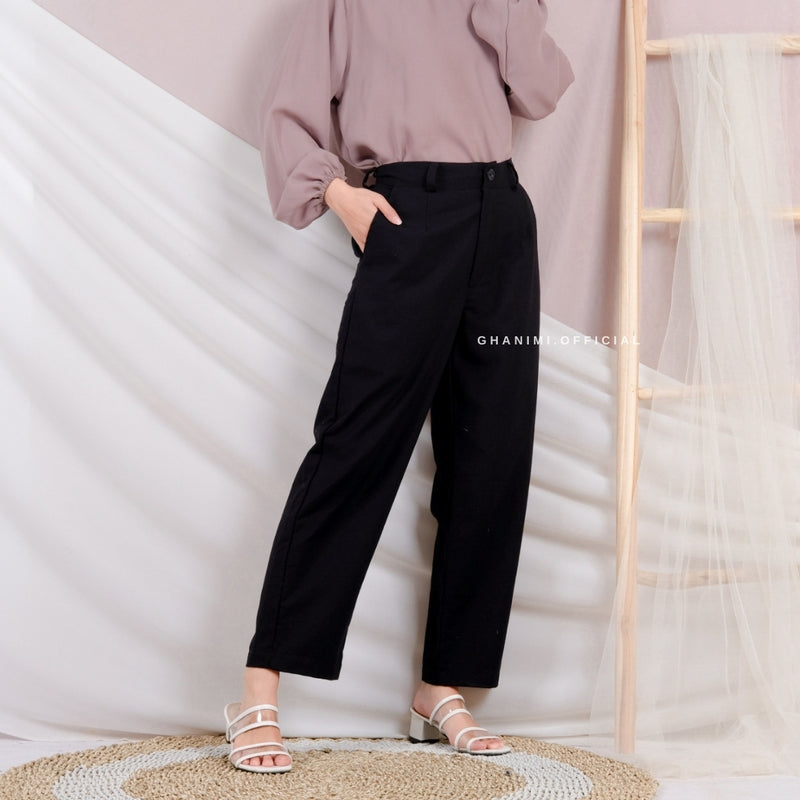 Seira Pants Black