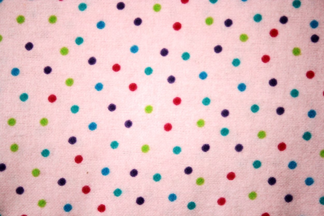 Flannel Pink multi dots small 108-2572