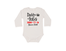 Load image into Gallery viewer, DADDY+ME=BESTIES Baby Long Sleeve Bodysuit