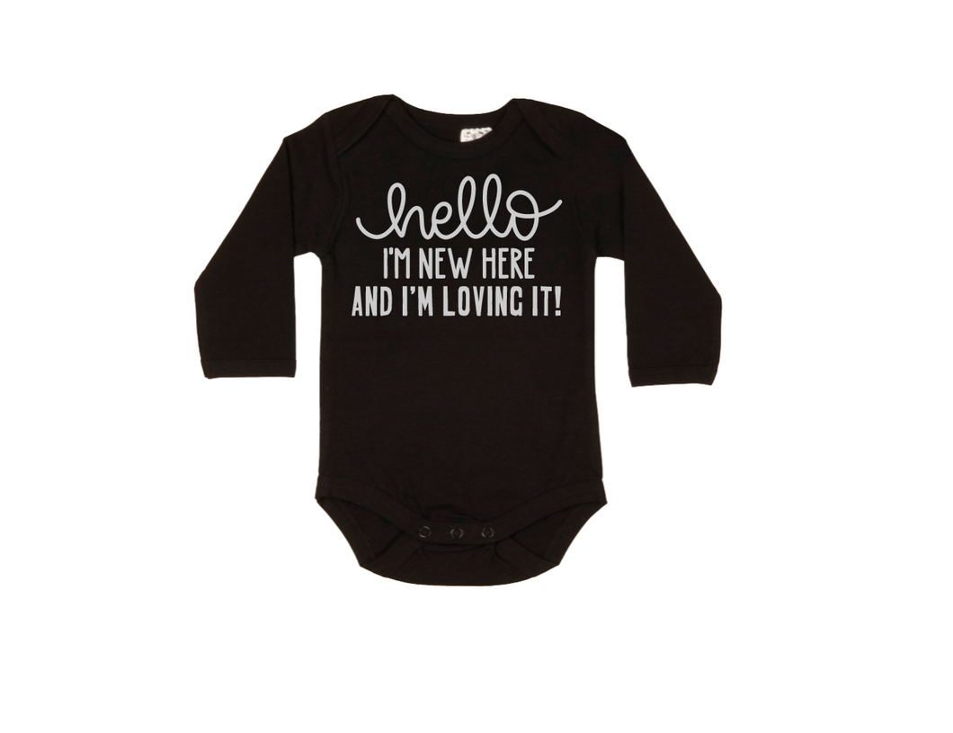 HELLO I'M NEW HERE AND I'M LOVING IT! Baby Long Sleeve Bodysuit