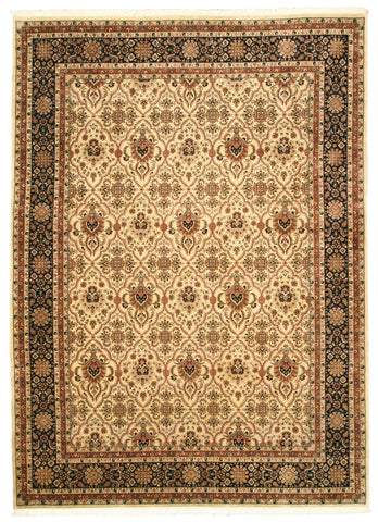 Hand-knotted Wool Ivory Traditional Oriental Varamin Rug