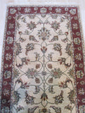 Ivory/red Hand-knotted Wool Traditional Oriental Agra Rug