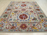 Hand-tufted Wool Ivory Transitional Floral Suzani Rug