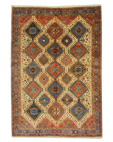 Hand-knotted Wool Beige Traditional Oriental Yalameh Rug (6'8 x 9'5)