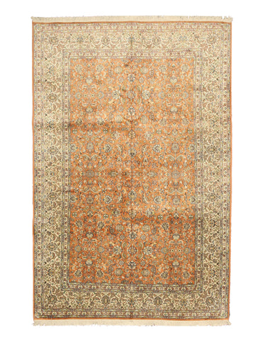 Hand-knotted Silk Peach Traditional Oriental Tabriz Rug (6'1 x 9'1)