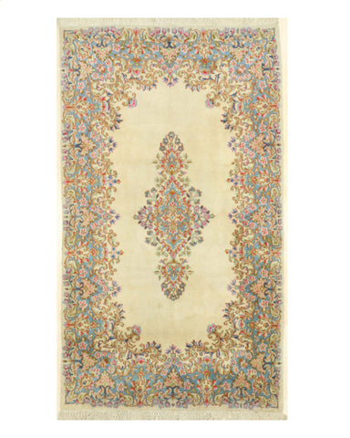Hand-knotted Wool Ivory Traditional Oriental Kerman Rug (3'11 x 7'1)
