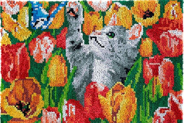 Cat in Tulips Rug Latch Hooking Kit (81x61cm)