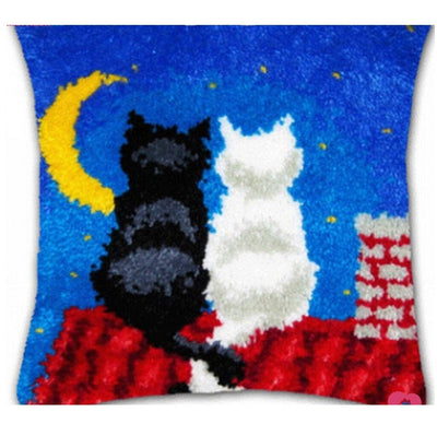 Latch Hooking Pillow Kit - Cats in Moonlight