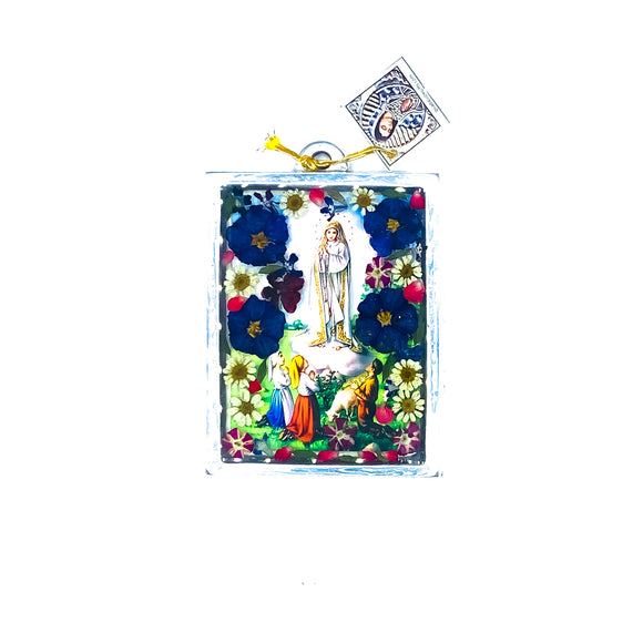 Our Lady of Fatima Wall Ornament w/ Natural Flowers, 4.5
