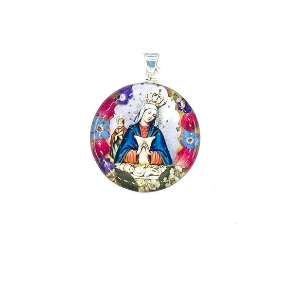 Round Silver Plated Virgin of Altagracia with Real Flowers (L)