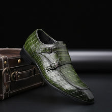 Load image into Gallery viewer, Crocodile Pattern Men Designer Leather Shoes