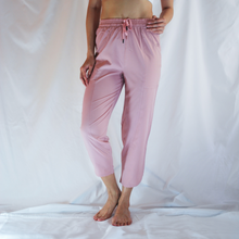Load image into Gallery viewer, SELVY Drawstring Capri Pants: Blush Pink