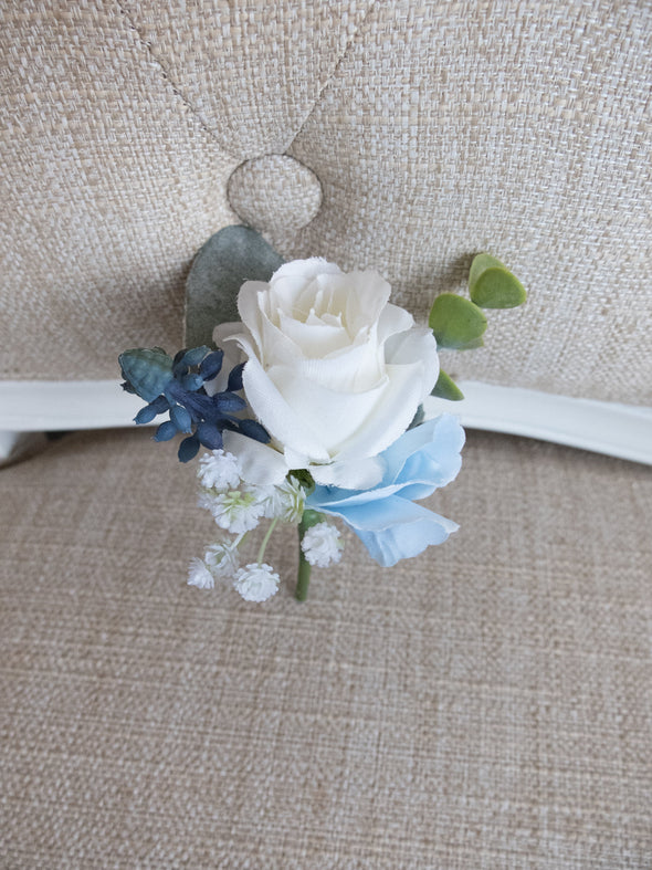 white and blue wedding buttonhole
