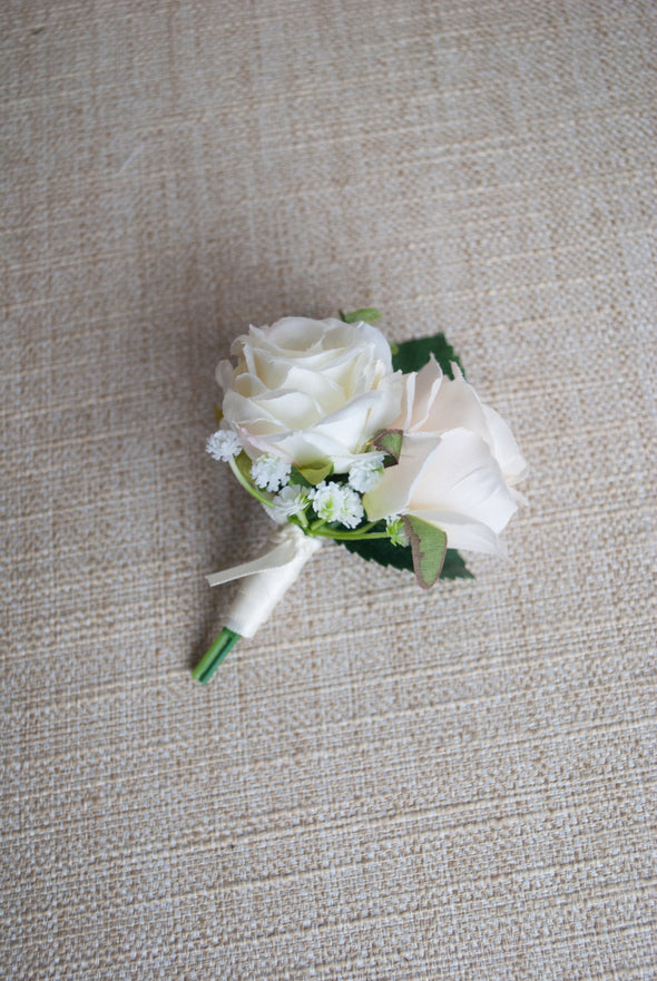 champagne wedding flowers