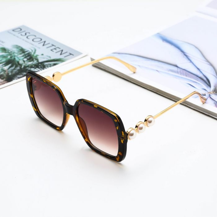 SUNGLASSES OVERSIZED MARBLE EFFECT WITH PEARL DETAIL