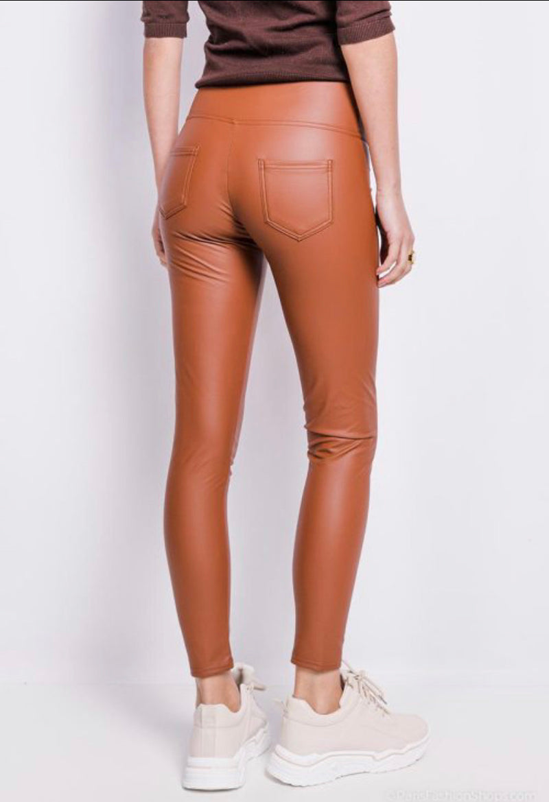 ZIP UP FAUX LEATHER JEGGINGS