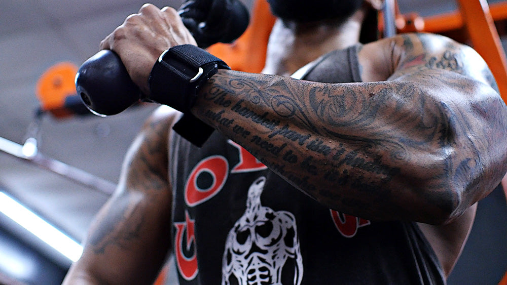 Single arm triceps extensions for arm workout