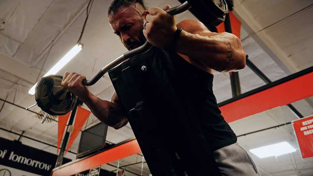 Arm-super-set-workout-Shawn-Lehner.00_10_00_13