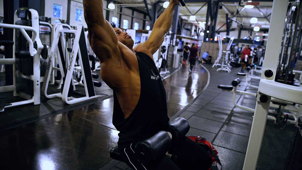 Back workout lat pulldown