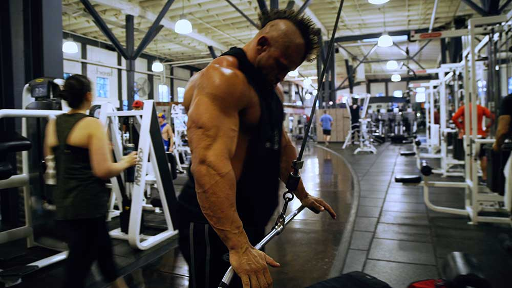 Back workout straight arm pulldowns 2